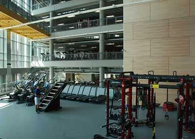 美國大學裡的五星級健身房,真是羨煞台灣大學生的雙眼