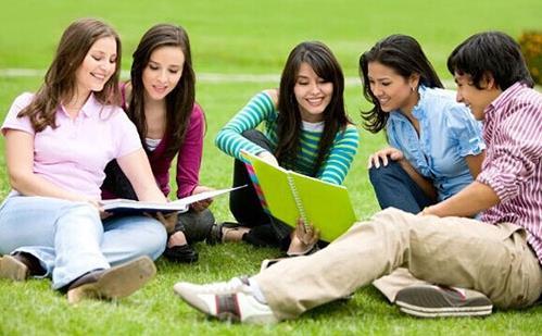 在美國讀高中拿全A究竟有多難