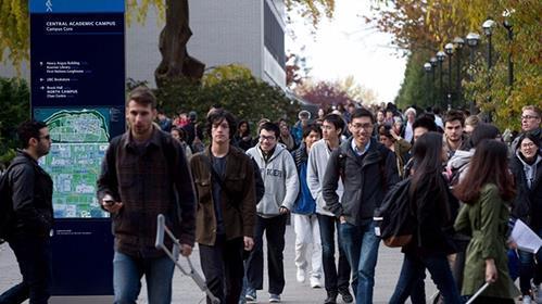 不光美國大學,美國中學也快要被中國人佔領了